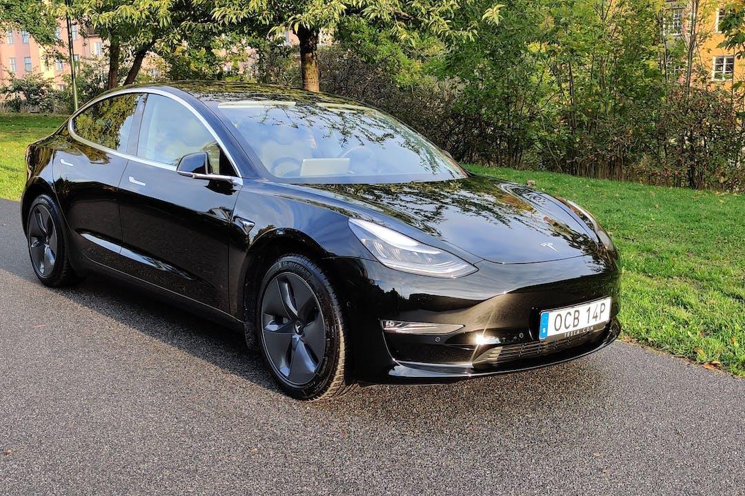 Billig biluthyrning av Tesla Model 3 med GPS i närheten av 116 35 Södermalm.