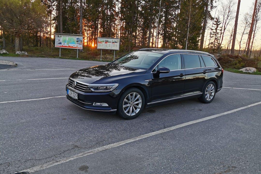 Billig biluthyrning av Volkswagen Passat med GPS i närheten av 974 38 Innerstaden-Östermalm.
