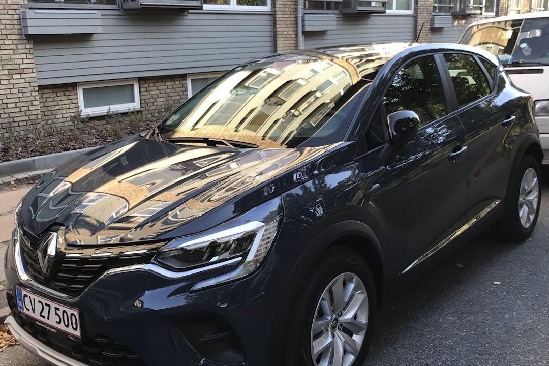 Billig billeje af Renault Captur med Bluetooth nær  København.
