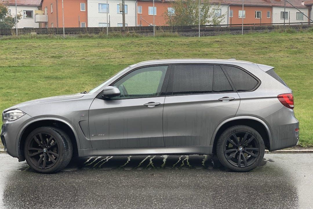 Billig biluthyrning av BMW X5 i närheten av 172 70 Storskogen.