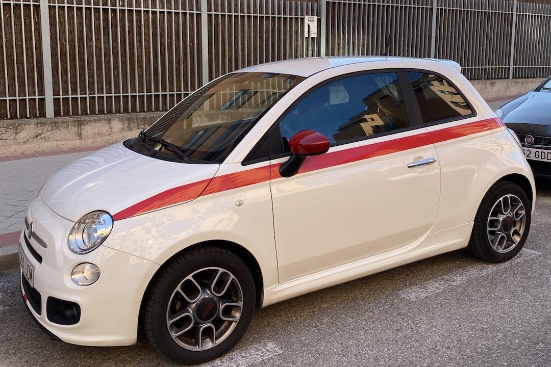 Alquiler barato de Fiat 500 cerca de 28050 Madrid.