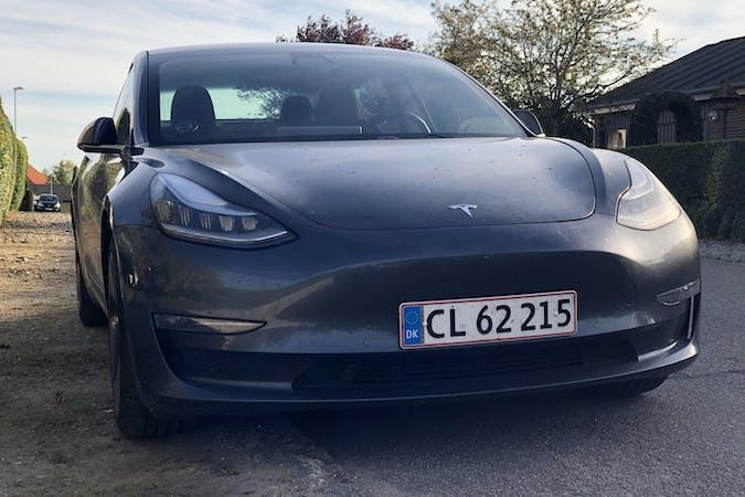 Billig billeje af Tesla Model 3 nær 5210 Odense.