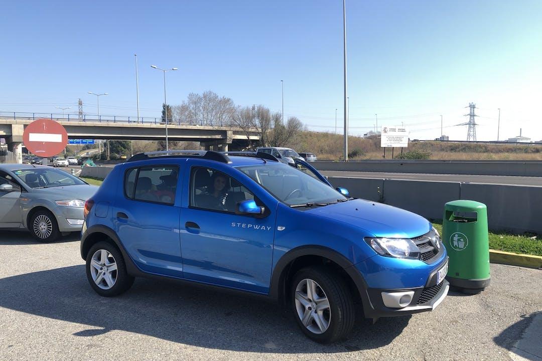 Alquiler barato de Dacia Sandero Stepway cerca de 08041 Barcelona.