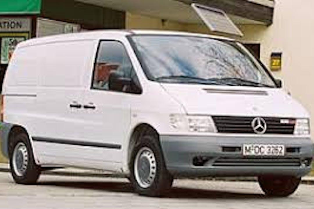 Alquiler barato de Mercedes Vito cerca de 04007 Almería.