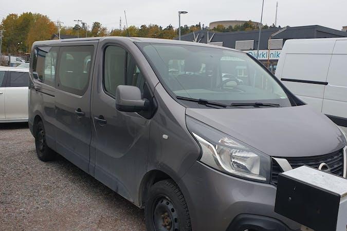 Billig biluthyrning av Nissan Primastar med Aircondition i närheten av 113 27 Norrmalm.