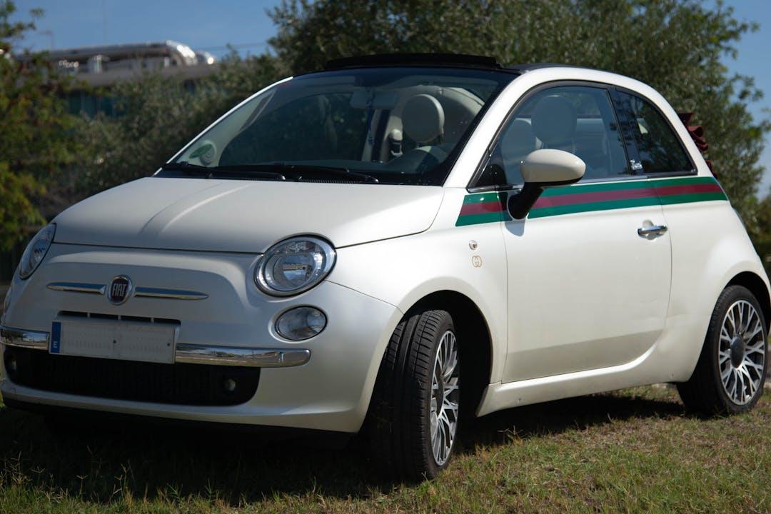 Alquiler barato de Fiat 500C cerca de 41012 Sevilla.