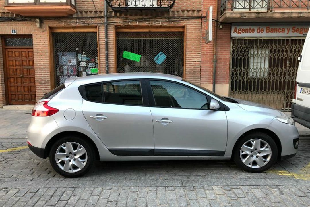 Alquiler barato de Renault Megane cerca de  Zamora.