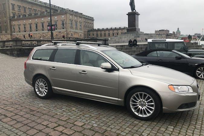 Billig biluthyrning av Volvo V70 med Isofix i närheten av 111 30 Södermalm.
