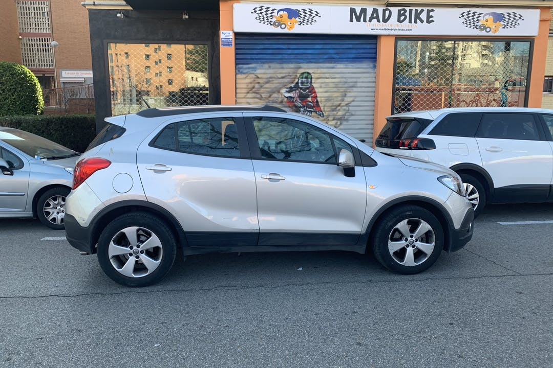 Alquiler barato de Opel Mokka cerca de 28043 Madrid.