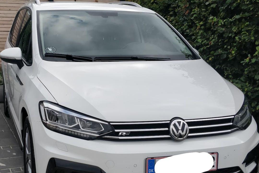 Billig billeje af Volkswagen Touran nær 8250 Egå.