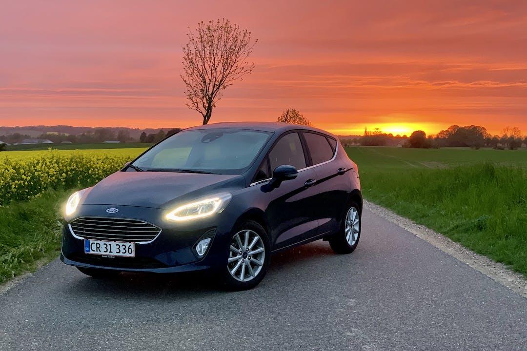 Billig billeje af Ford Fiesta med GPS nær 2300 København.