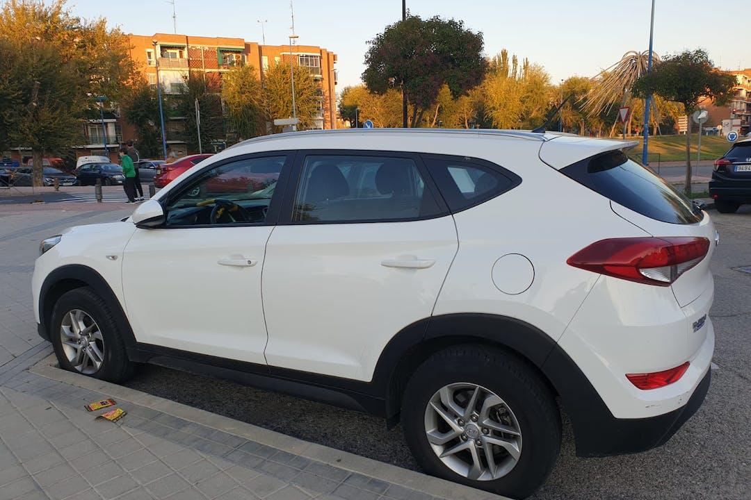 Alquiler barato de Hyundai Tucson con equipamiento Aire acondicionado cerca de 28911 Leganés.