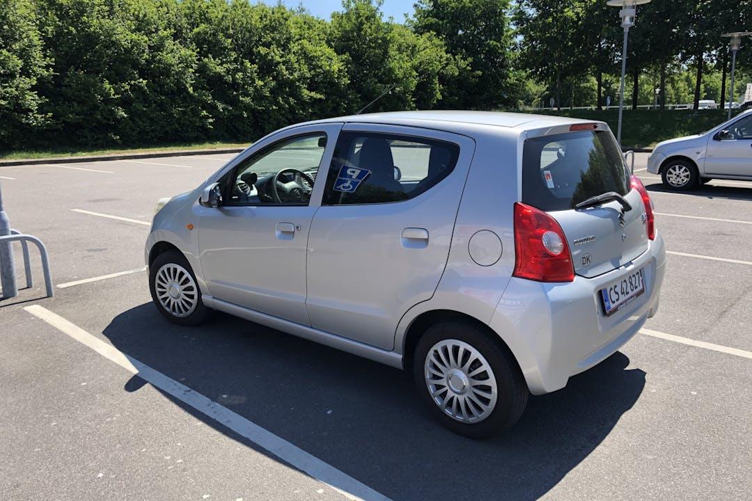 Billig billeje af Suzuki Alto nær 3700 Rønne.