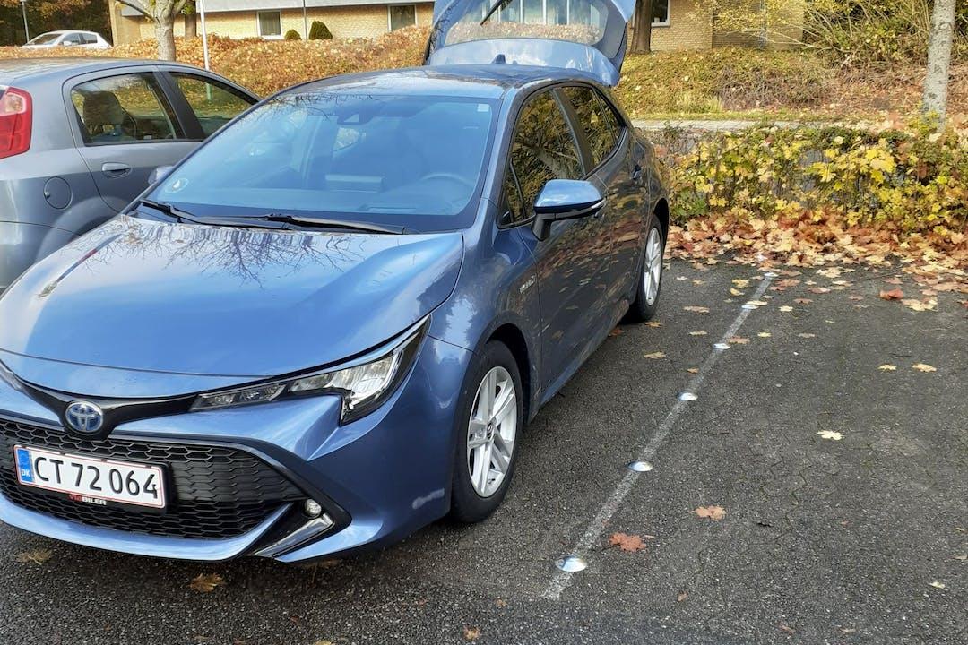 Billig billeje af Toyota Corolla med Bluetooth nær 2770 Kastrup.