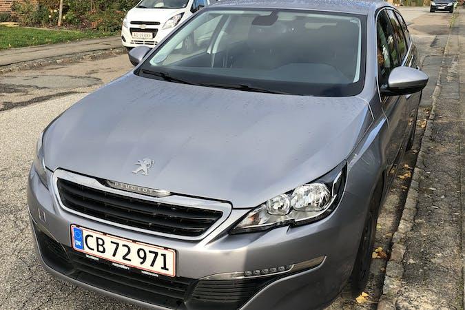 Billig billeje af Peugeot 308 SW med GPS nær 8464 Galten.