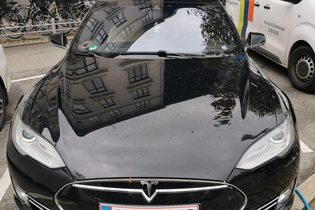 Billig billeje af Tesla Model S nær 2860 Søborg.