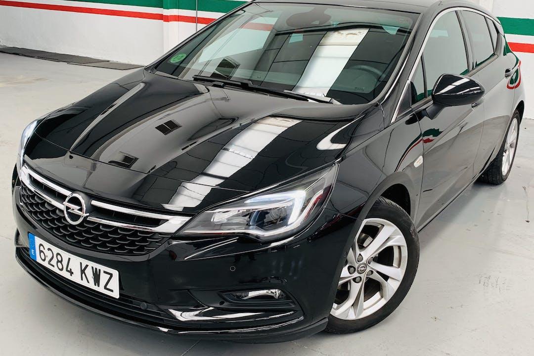 Alquiler barato de Opel Astra con equipamiento Fijaciones Isofix cerca de 28012 Madrid.