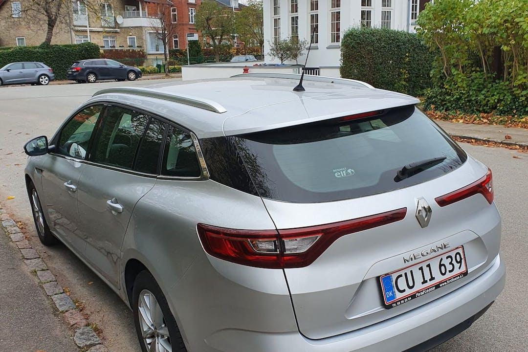 Billig billeje af Renault Megane nær 2300 København.