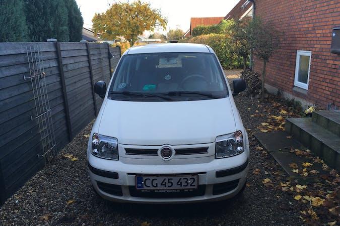 Billig billeje af Fiat Panda med Bluetooth nær 6100 Haderslev.