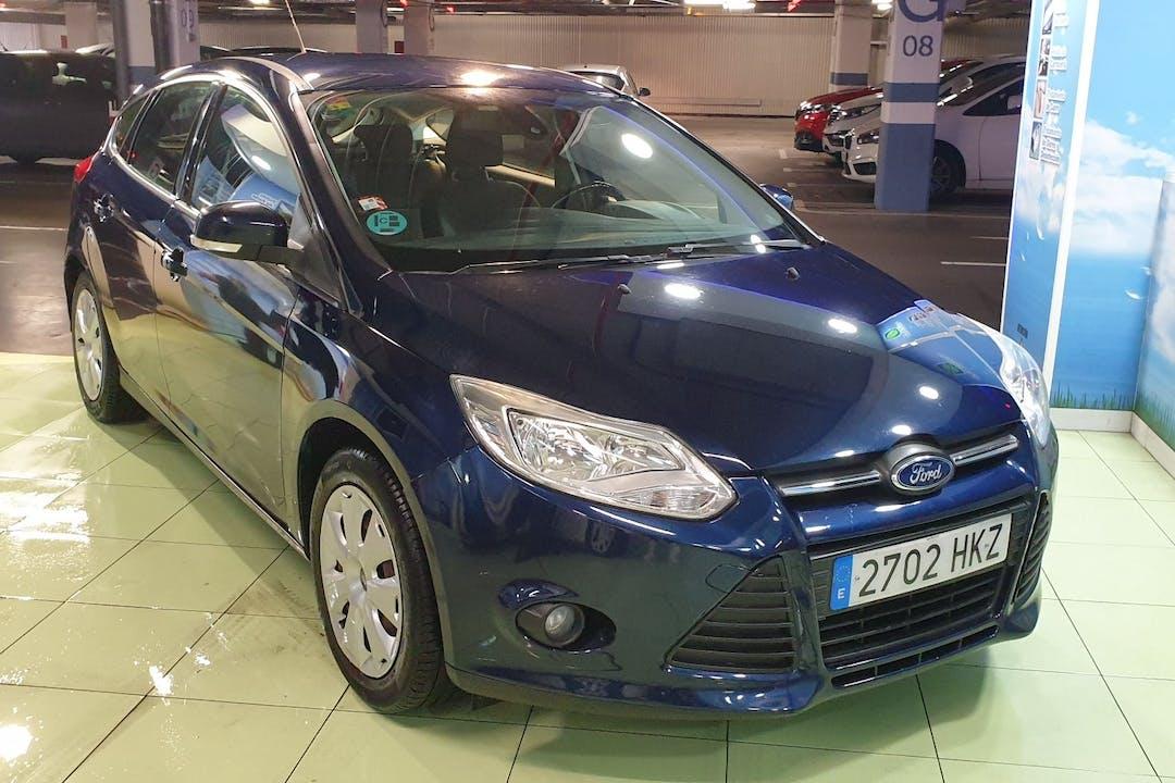 Alquiler barato de Ford Focus con equipamiento Bluetooth cerca de 28017 Madrid.