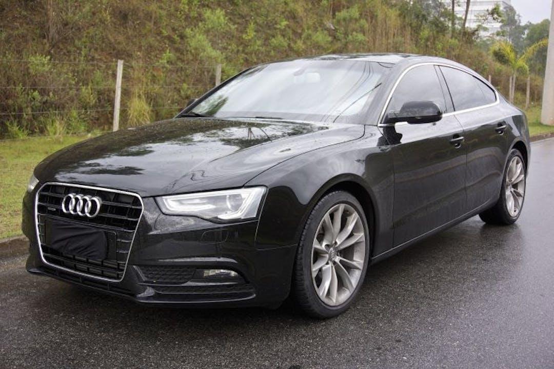 Billig biluthyrning av Audi A5 i närheten av 123 33 Farsta distrikt.