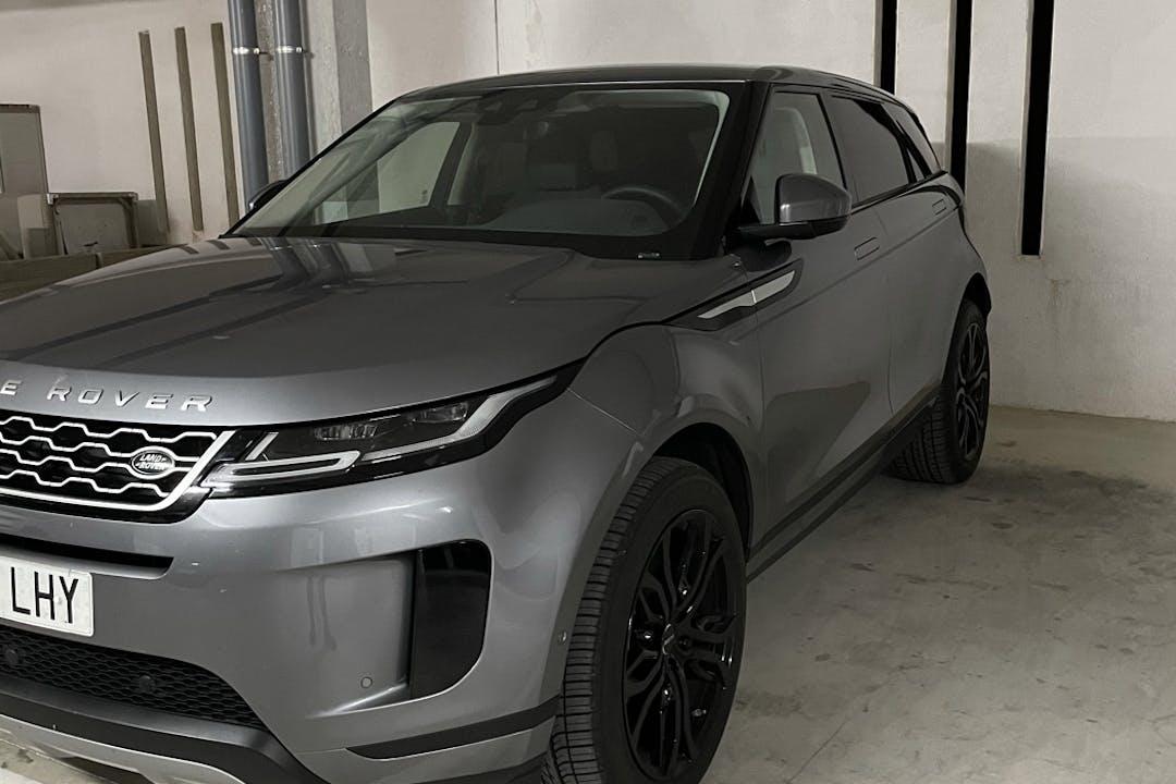 Alquiler barato de Land Rover Range Rover Evoque con equipamiento GPS cerca de 28008 Madrid.
