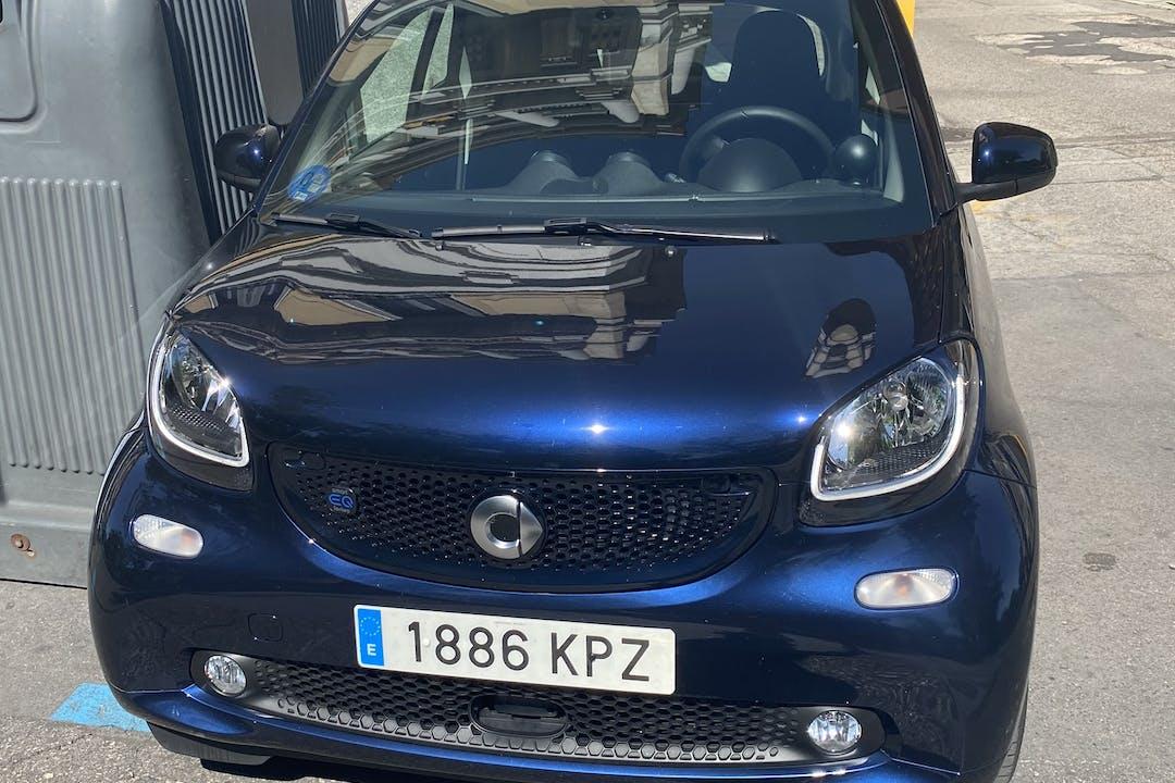 Alquiler barato de Smart Fortwo Coupe con equipamiento GPS cerca de  Madrid.