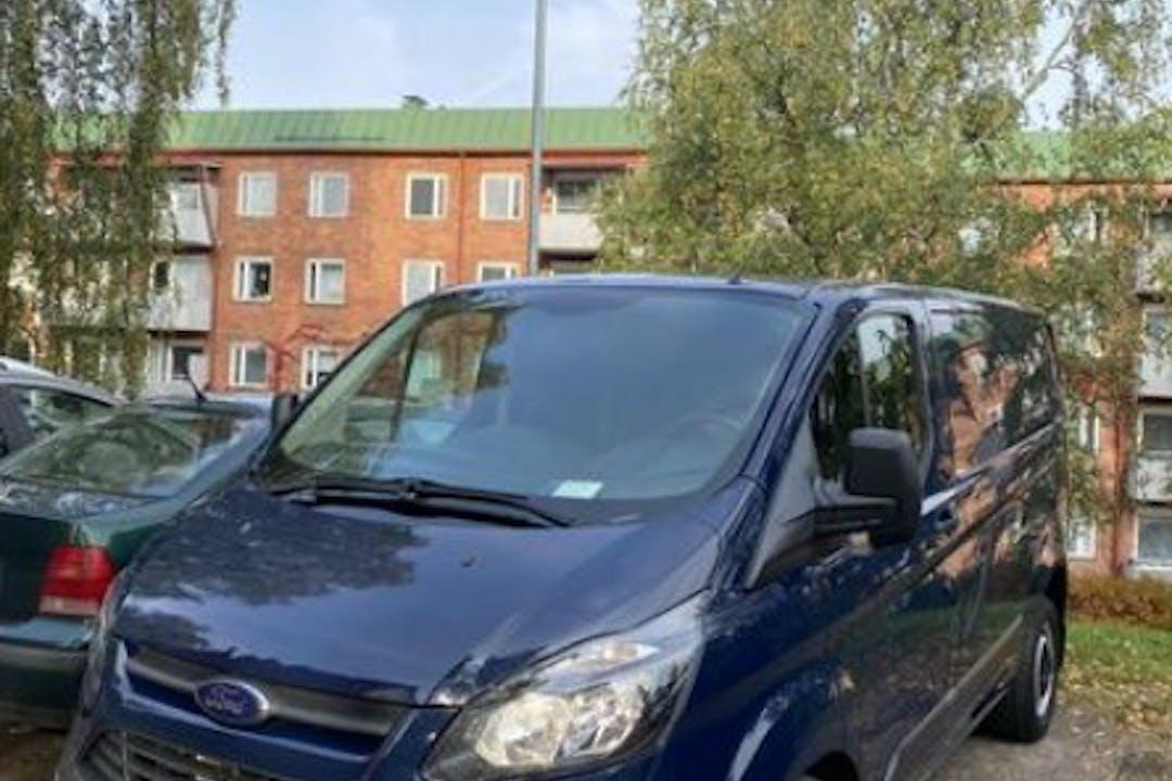 Ford Transitn halpa vuokraus Vetokoukkun kanssa lähellä 33300 Tampere.