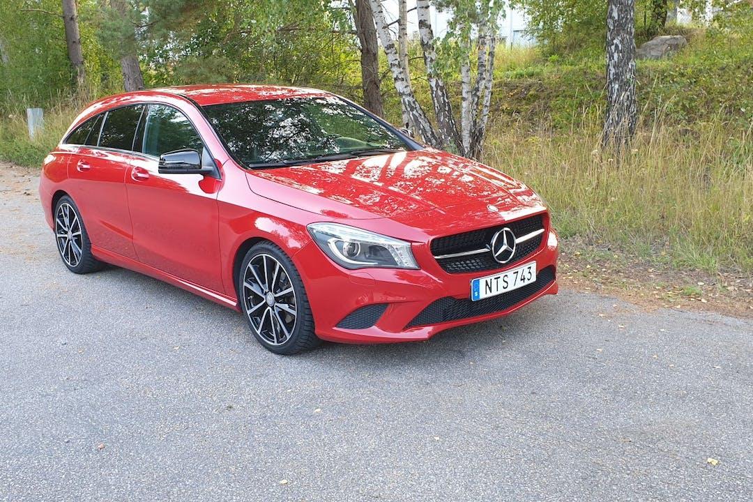 Billig biluthyrning av Mercedes CLA-Class med Isofix i närheten av 352 51 Teleborg.
