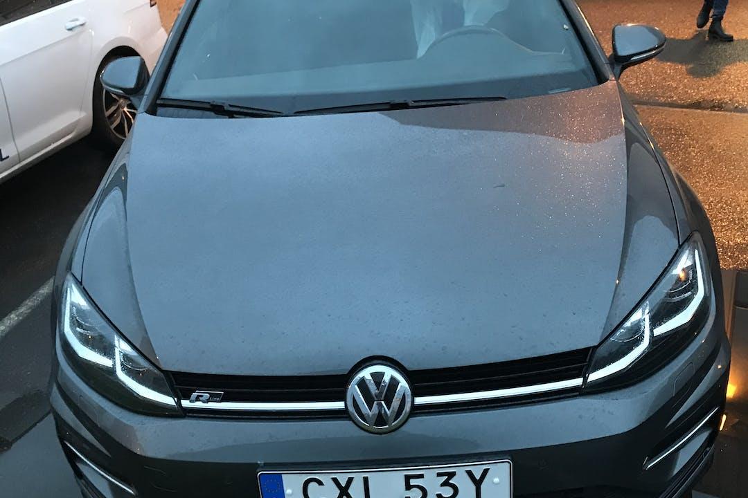 Billig biluthyrning av Volkswagen Golf med GPS i närheten av 418 43 Biskopsgården.