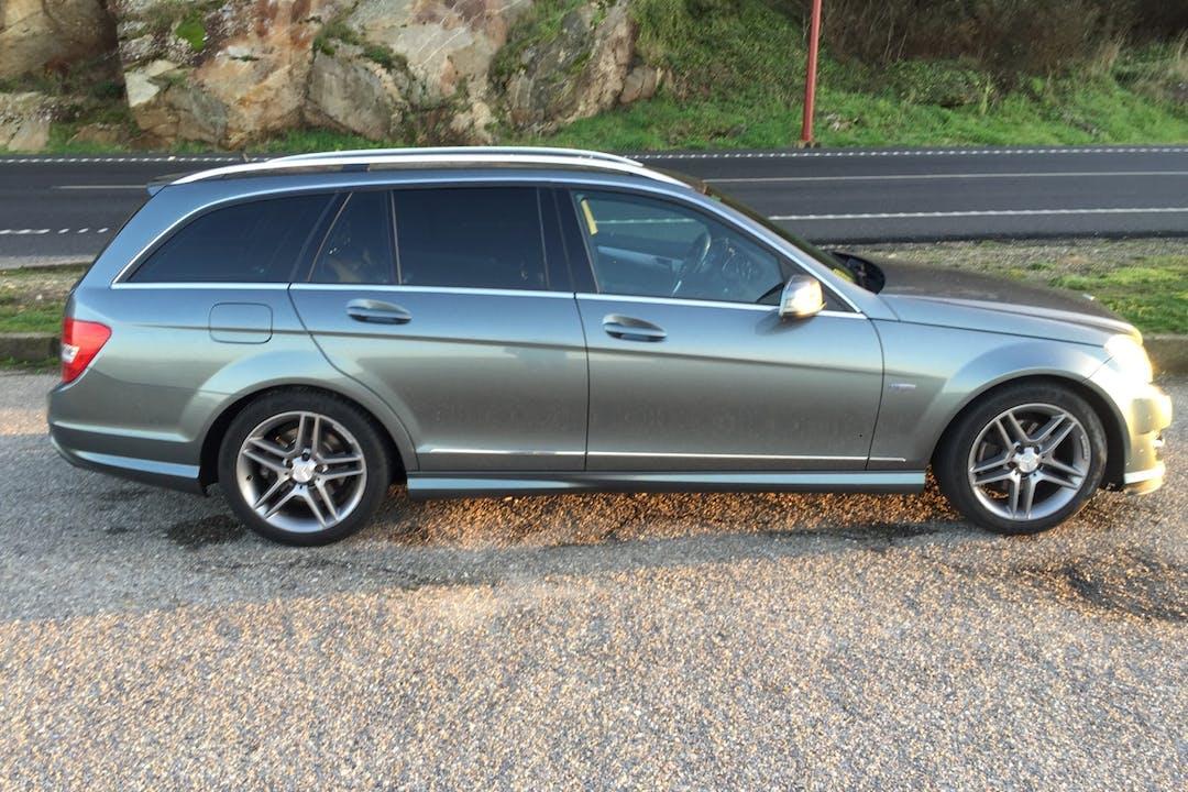 Alquiler barato de Mercedes C (204) con equipamiento GPS cerca de  Baiona.