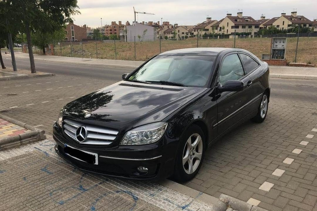 Alquiler barato de Mercedes Clc con equipamiento GPS cerca de 28850 Torrejón de Ardoz.