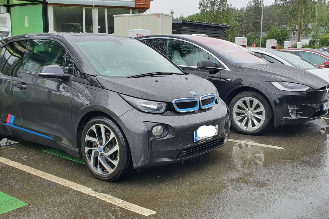 BMW I3n lalpa vuokraus lähellä  Helsinki.