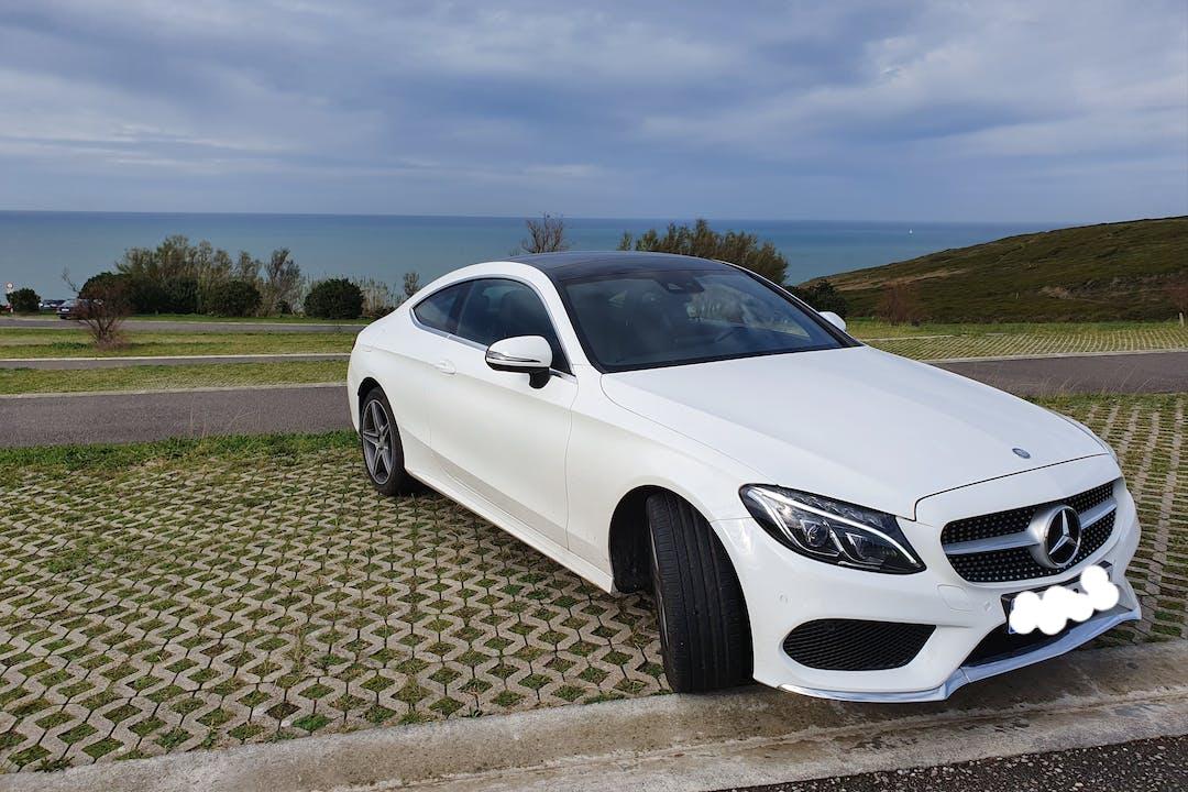 Alquiler barato de Mercedes C (205) cerca de 01006 Gasteiz.