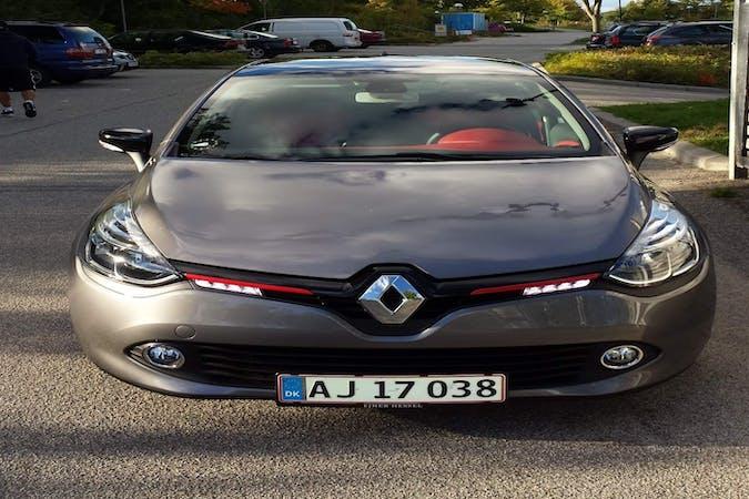 Billig billeje af Renault Clio HB med GPS nær 8000 Aarhus.