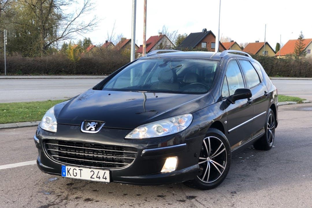 Billig biluthyrning av Peugeot 407 SW i närheten av 215 52 Fosie.
