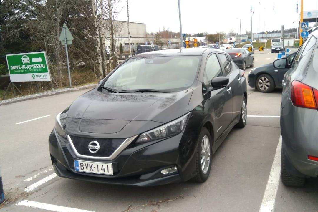 Nissan LEAFn halpa vuokraus GPSn kanssa lähellä 20660 .