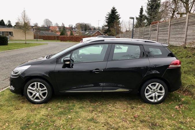 Billig billeje af Renault Clio SW med GPS nær 2450 København.