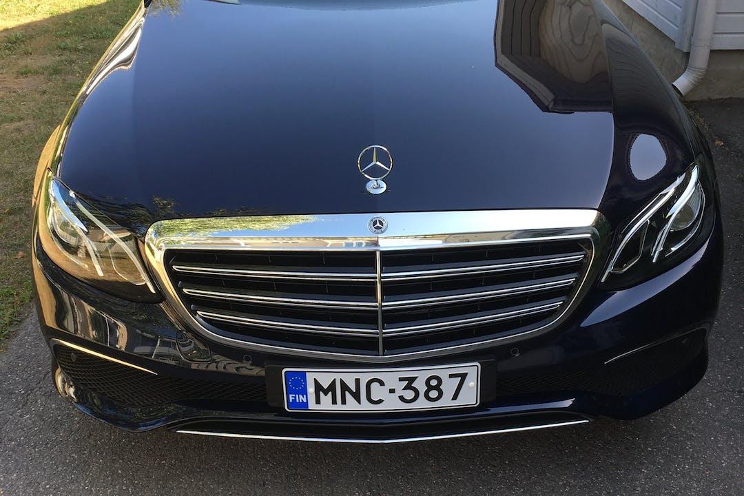 Mercedes E-Classn halpa vuokraus GPSn kanssa lähellä 20900 Turku.