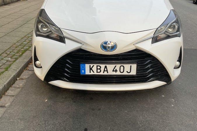Billig biluthyrning av Toyota Yaris med Isofix i närheten av 217 54 Ribersborg.