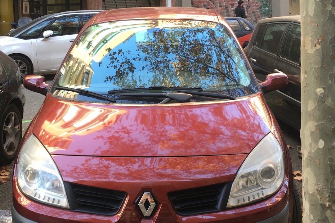 Alquiler barato de Renault Scenic cerca de  Barcelona.