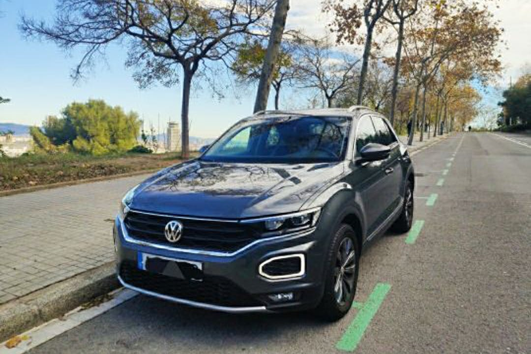 Alquiler barato de Volkswagen T-Roc con equipamiento Fijaciones Isofix cerca de 08029 Barcelona.