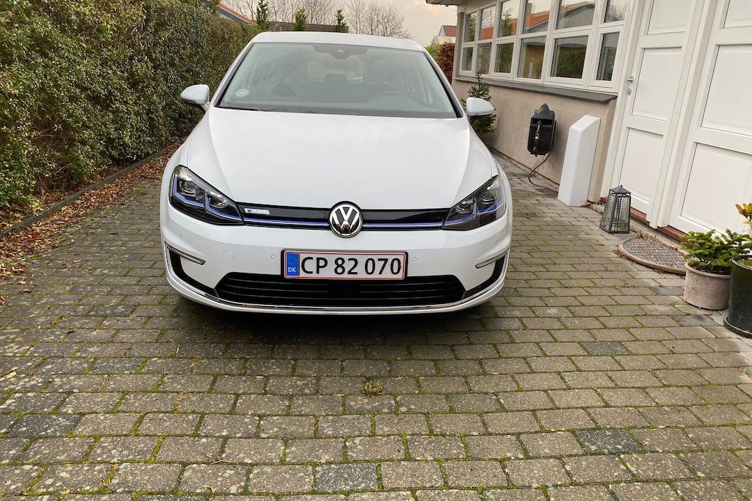 Billig billeje af Volkswagen Golf med GPS nær 2765 Smørum.