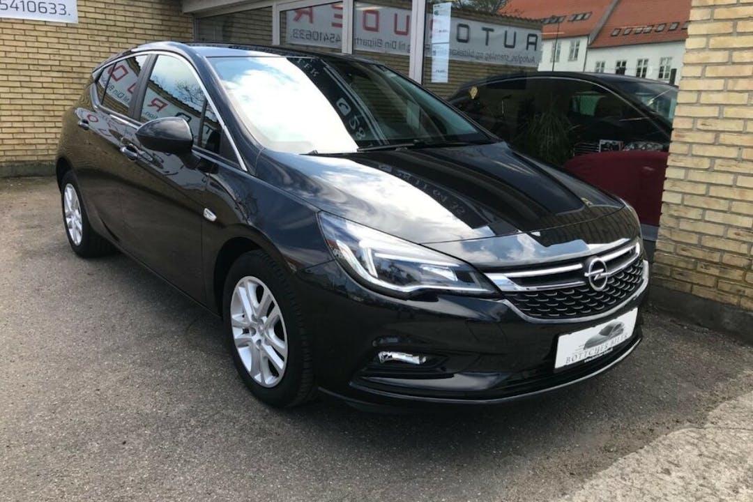 Billig billeje af Opel Astra med GPS nær 2730 Herlev.