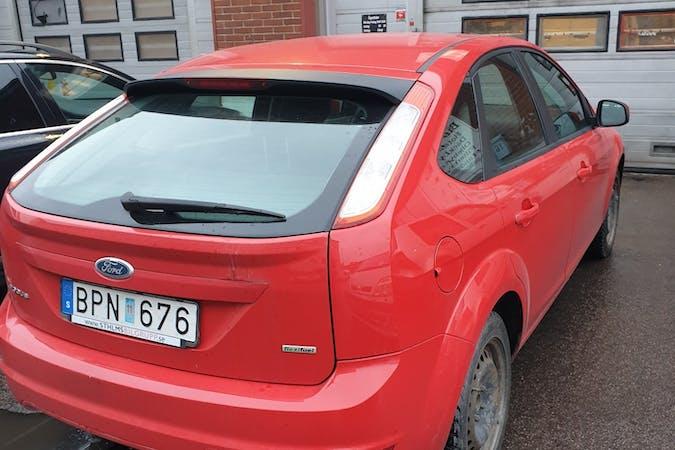 Billig biluthyrning av Ford Focus med Bluetooth i närheten av 113 27 Norrmalm.
