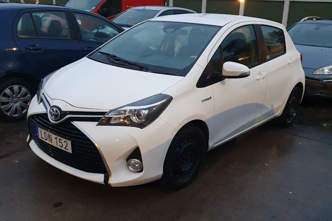 Billig biluthyrning av Toyota Yaris med Bluetooth i närheten av 756 49 Gottsunda-Vårdsätra.