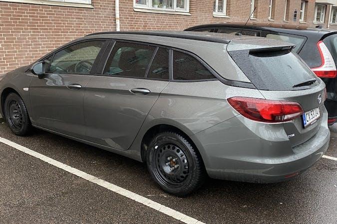 Billig billeje af Opel Astra ST med GPS nær 2200 København.