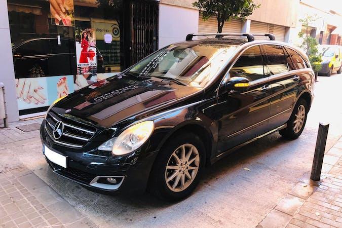 Alquiler barato de Mercedes R (251) con equipamiento Bola de remolque cerca de 08912 Badalona.