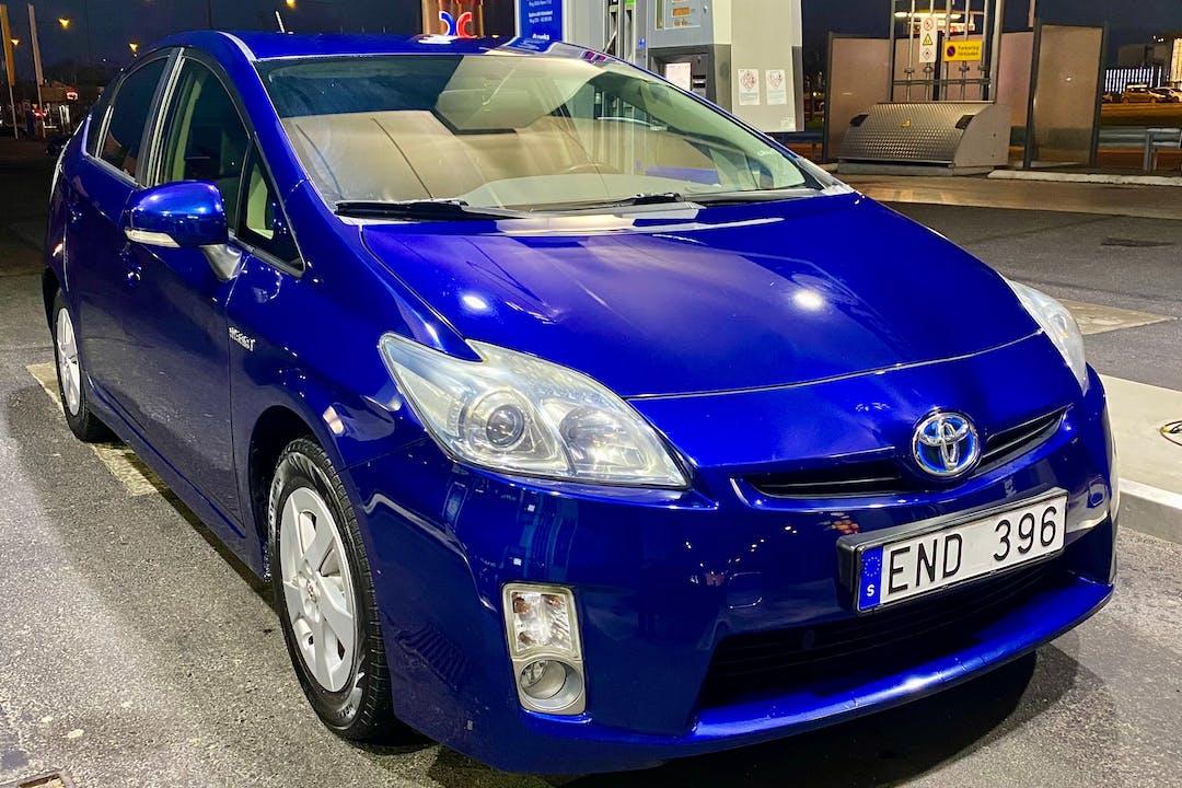 Billig biluthyrning av Toyota Prius med GPS i närheten av 213 64 Öster.