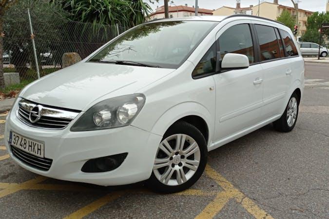 Alquiler barato de Opel Zafira cerca de 28026 Madrid.